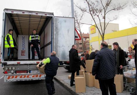 recogida alimentos solidarios fm logistics