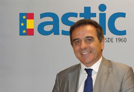 Resultat d'imatges de Ramón Valdivia, director general de la Asociación de Transporte Internacional por Carretera (ASTIC)