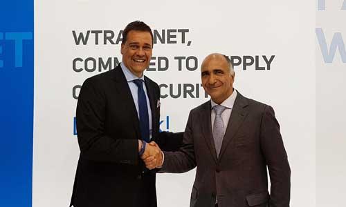 Ralf Grobusch, chef de la zone d'affaires DQS avec Jaume Esteve, directeur général de Wtransnet